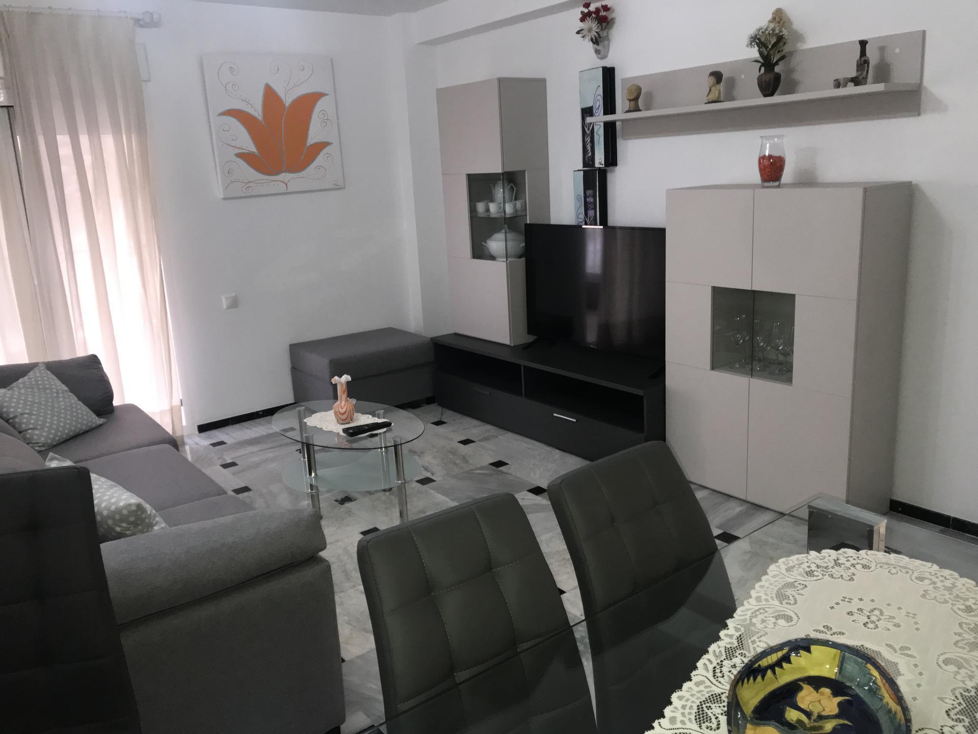 Piso -                                       Benidorm -                                       3 dormitorios -                                       6 ocupantes